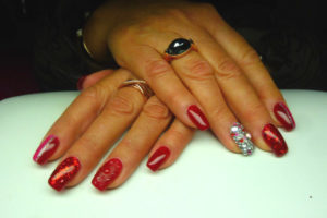 ONGLES-ROUGES